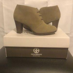 Gianni Bernini cement color boots